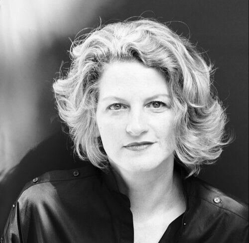 Schwarz-Weiß-Portrait von Birgit Gebhardt.