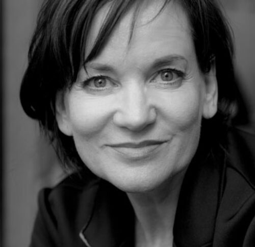 Schwarz-Weiß-Portrait von Jacqueline Fritschi-Cornaz.