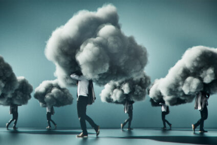 Eine Gruppe Menschen, deren Kopf sich jeweils in einer dunklen Wolke befindet.