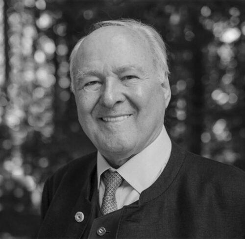 Schwarz-Weiß-Portrait von Claus Hipp.