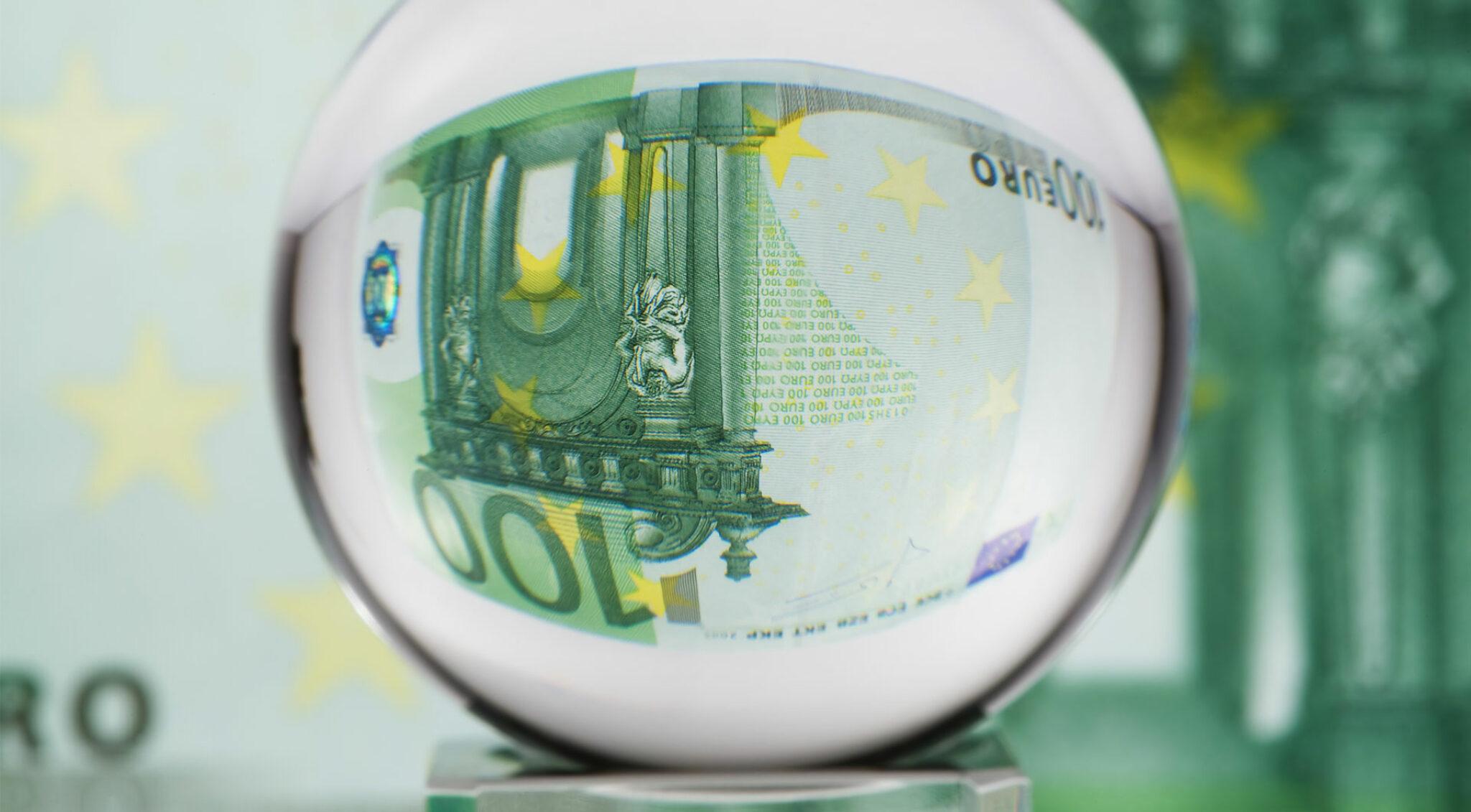 Verzerrter 100 Euro-Schein.