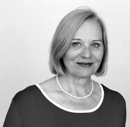 Schwarz-Weiß-Bild von Dr. Barbara Strohschein.