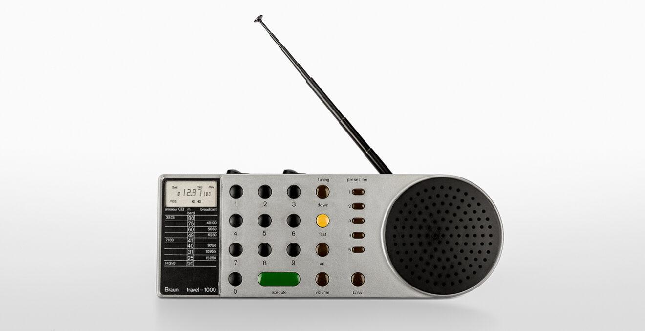 Kleines Radio Travel 1000.