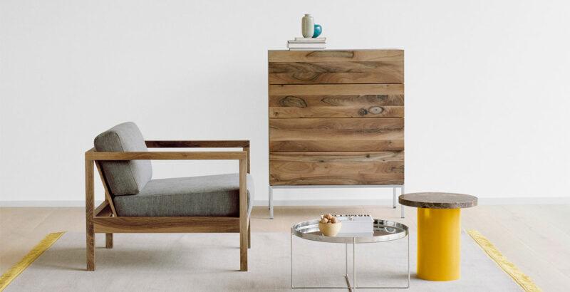 Sessel, Sideboard und Beistelltische von e15.