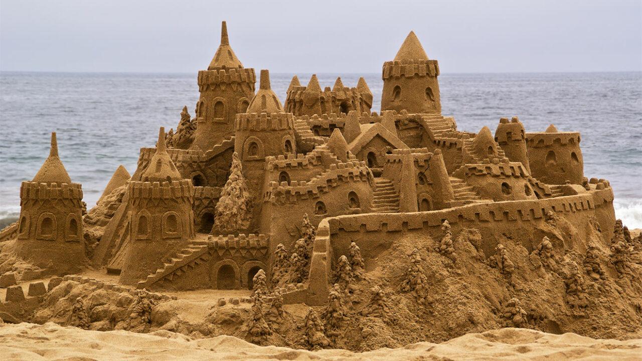 Sehr große und detaillierte Sandburg.