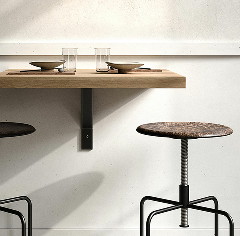 Tisch und Stühle von Mater Design.