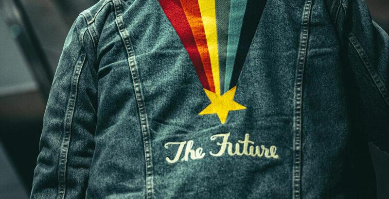 """Bild einer Jeansjacke mit Stickerei """"The Future"""""""